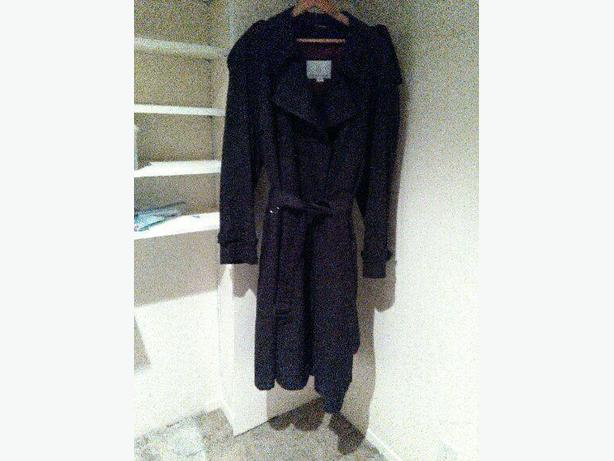 Men's London Fog trenchcoat with zip in liner. Worn twice