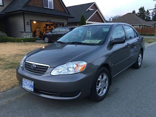 2008 Toyota Corolla - Automatic, Air Conditioning, Sunroof