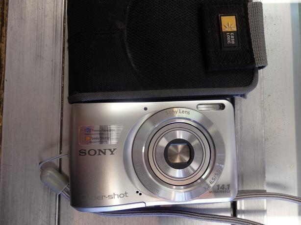 Sony 14.1 Megapixel Camera with case