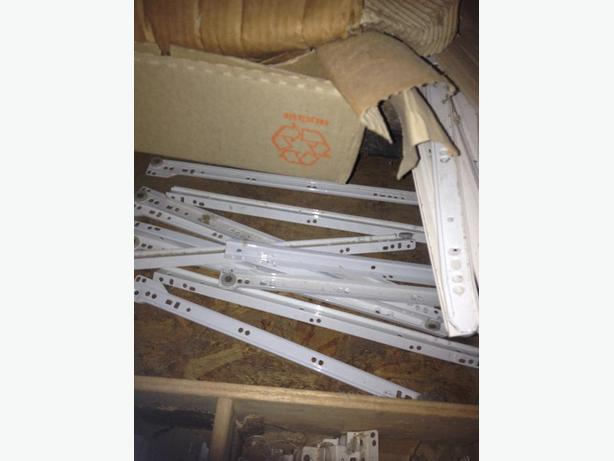 A Pile off drawer slides,