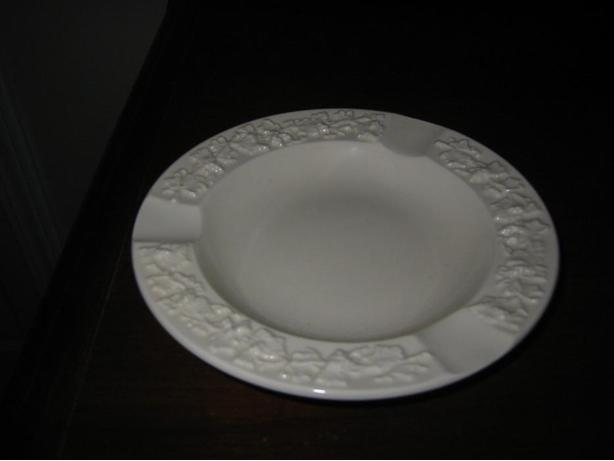 WEDGWOOD ENGLAND VINTAGE POTTERY ASHTRAY: GREAT GIFT IDEA