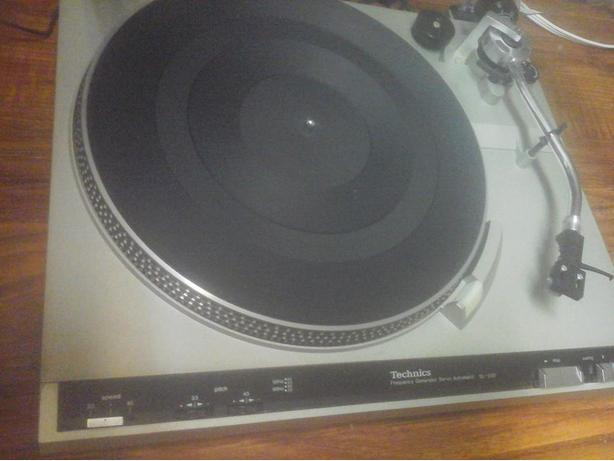 Quick Sale !!     Sony Amp & Technics Turntable