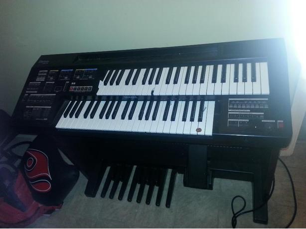 Electone HC-2 keyboard