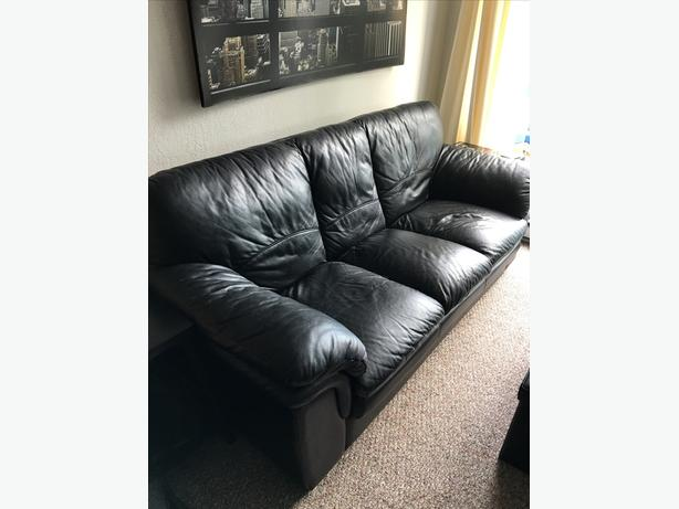 BLACK full-grain LEATHER Sofa Couch in good clean condition