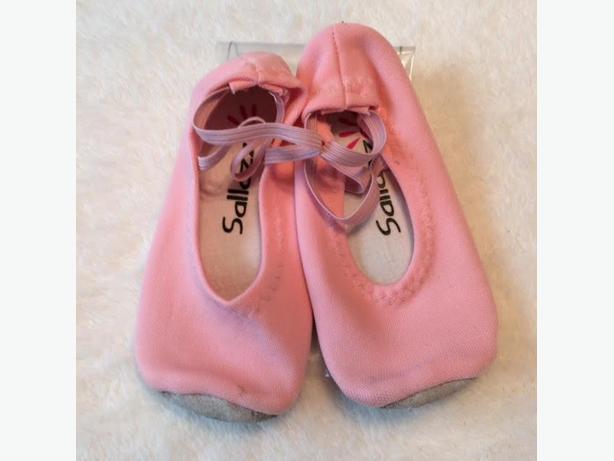 Girl's Ballet Slippers