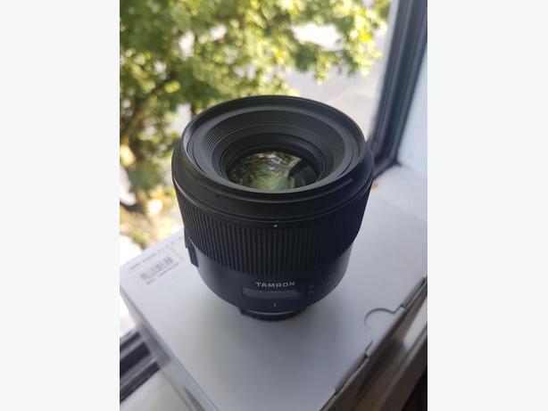 Tamron 35mm f/1.8 SP Nikon F-mount.