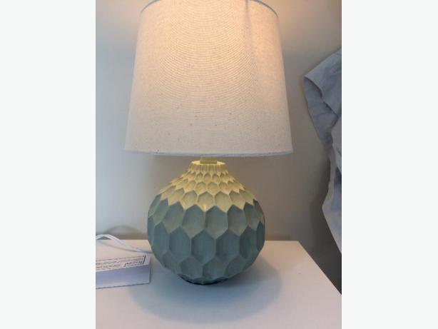 2 cute baby blue lamps