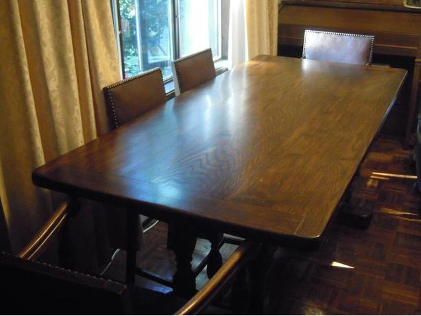 SOLID OAK TABLE & 6 ANTIQUE CHAIRS - JUST REDUCED