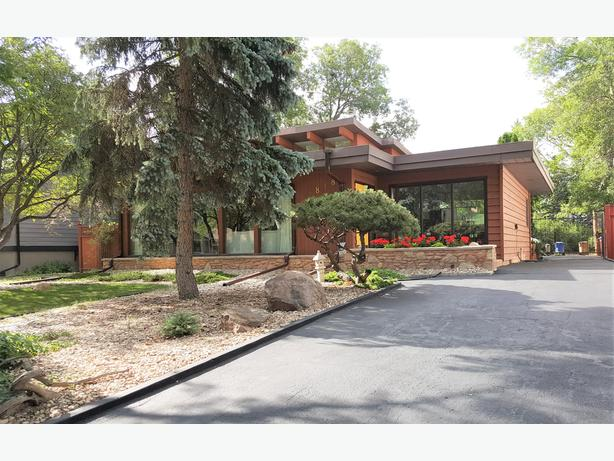 Stunning Home in Lakeview