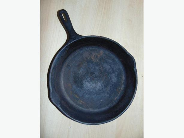 Cottage and Home Cast Iron 10 inch Fry Pan Wagner Ware