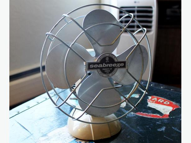 Vintage Seabreeze Desk Fan