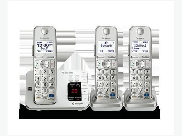 5 Panasonic Cordless Phones (Base phone plus 4 handsets)