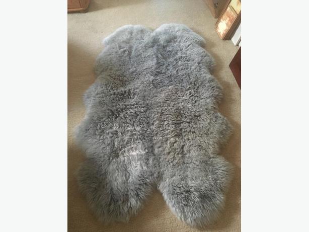 Lovely large sheepskin