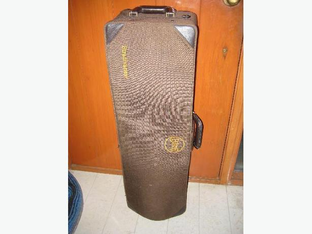 ★ Trombone Travel Hard Case Vincent Bach , 9.5 Bell ★