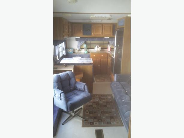 1993 26 FT. SANDPIPER 5TH WHEEL