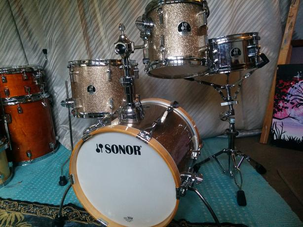 Sonor Martini 4-piece kit w/ kick, snare stand, and throne! Reggae! Funk! Jazz!