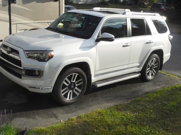 2014 Toyota 4Runner Limited, 7 Adult Passengers (+Carproof)