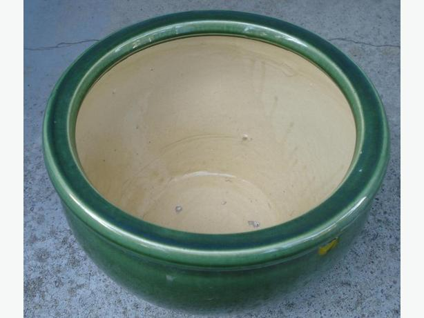 Planter, diameter 12 inches