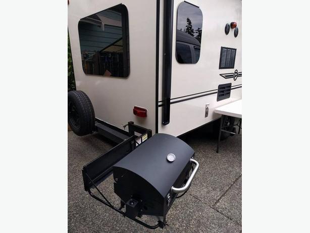 Aussie brand new propane trailer bbq
