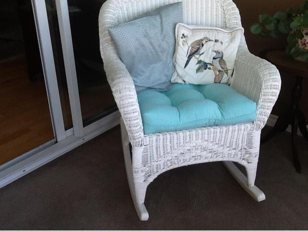 White Real Wicker Rocking Chair in Excellent Condition
