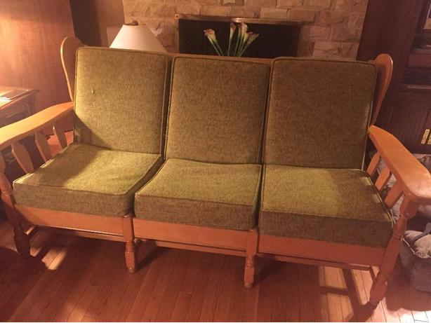 "maple ""vintage couch"