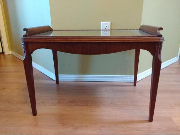 REDUCED Vintage Mahogany Table