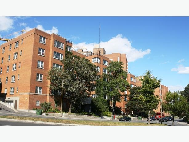 Belfort Apartments: very close to both Concordia and McGill!