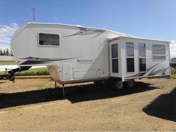 2008 Rockwood Signature Series Ultralite 30ft -Reduced To Sell