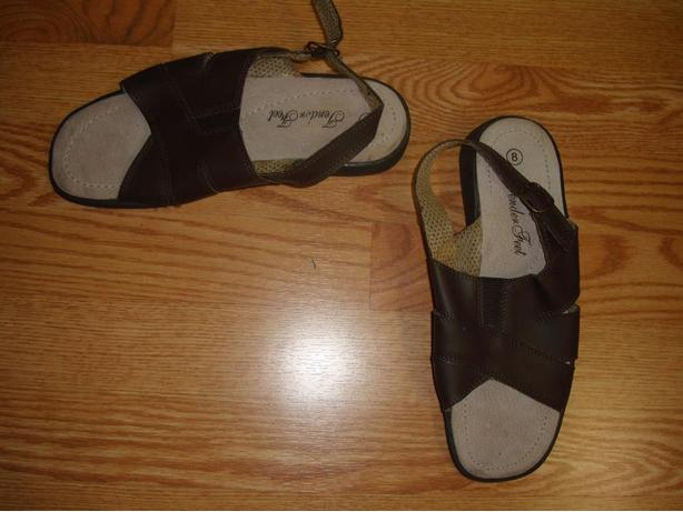 New Tender Feet Brown Leather Woman's Sandals Size 8 - $5