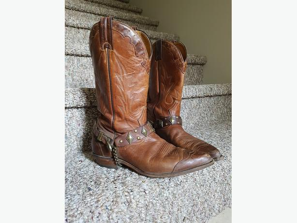 c101367d8a9  Log In needed $100 · Boulet Cowboy Boots - Fits Men (Size 8) or Women  (Size 9-10)