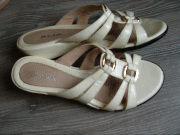 woman ALia  shoes,lindell size 8