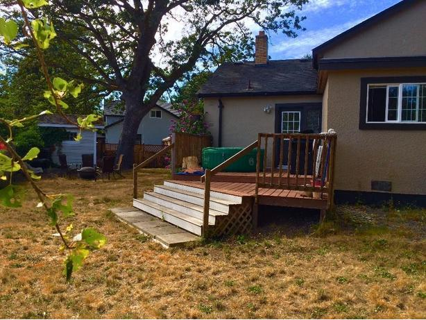 Beautiful small house with large backyard in Esquimalt ...