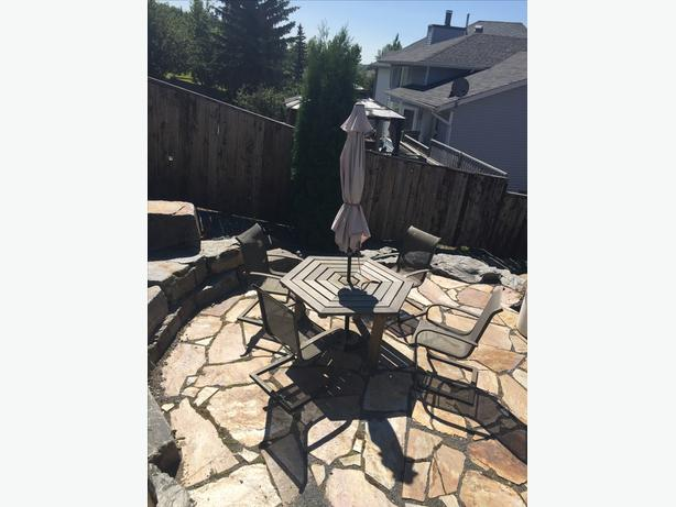 Hexagon cedar patio set