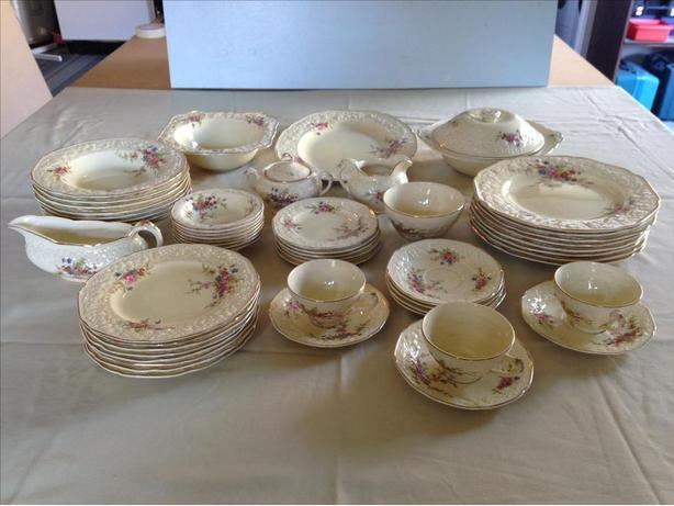 **REDUCED** Crown Ducal Florentine China