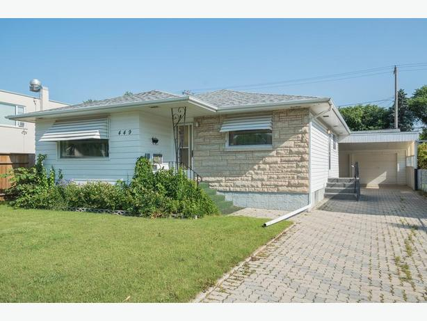 Custom-Built Bungalow in West Transcona - Jennifer Queen