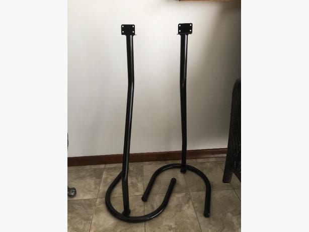 2 speaker stands