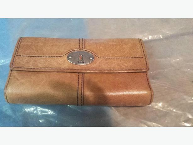 Fossil Vintage Collection leather purse