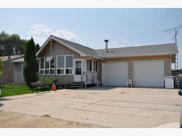 238 Stroll Way -Professionally Marketed by Judy Lindsay Team