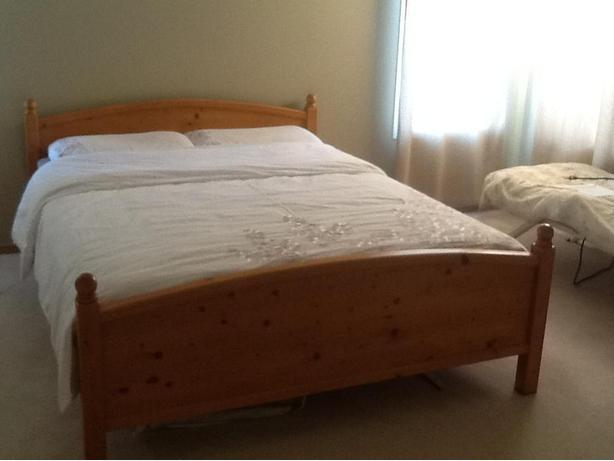 SOLID WOOD Queen Size Bed Frame