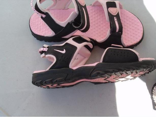 woman  nike  ACG  sandals