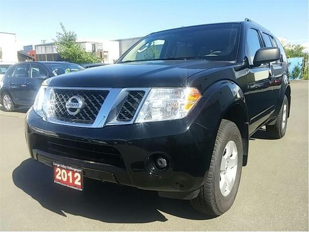 2012 Nissan Pathfinder SV 4WD 4x4! Auto! SALE PRICED !
