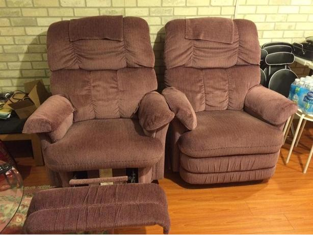 Comfy recliners in perfect condition!