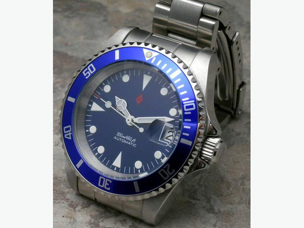  Log In needed $259 · Rare Blue DAGAZ Custom Dive Watch AUTOMATIC!  Magnificent BLUE!