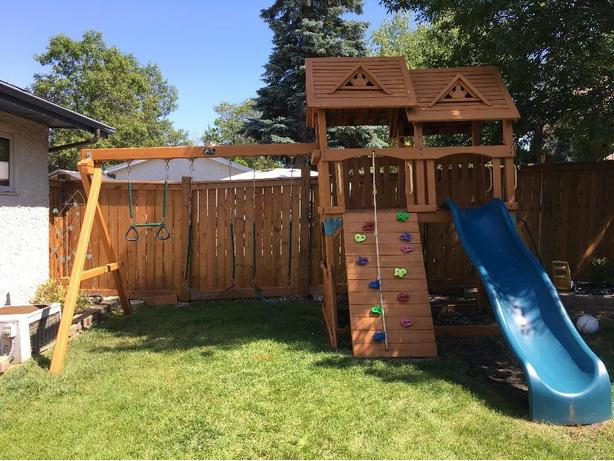 Beautiful Condition Play Structure