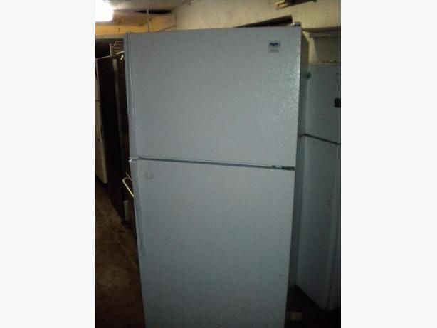 White Inglis 18 cu ft frost free refrigerator
