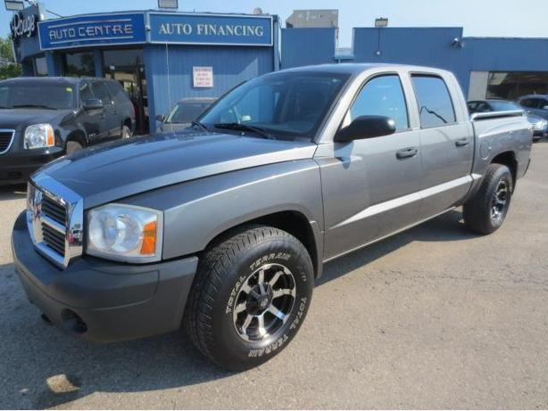 2005 DODGE DAKOTA CREW 4X4