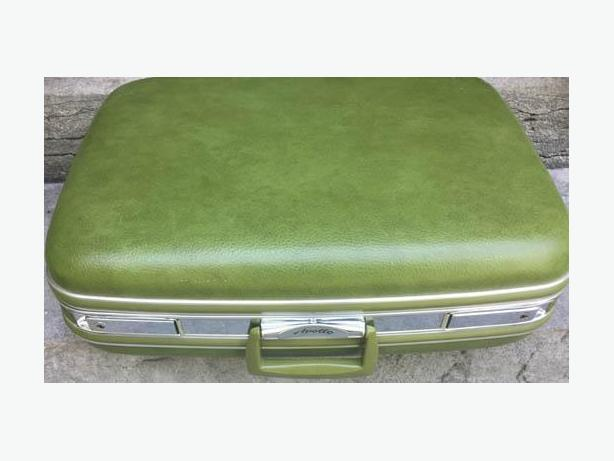 "Lovely Vintage  ""Apollo""  Hard Case Green Suitcase"