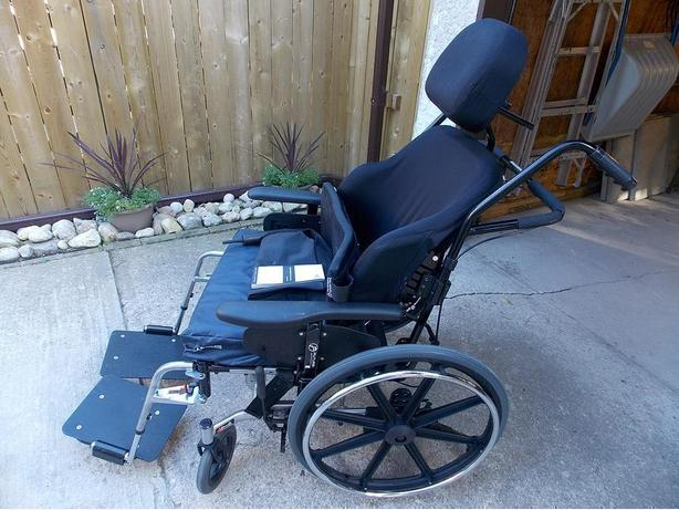 Wheelchair (Orion II Tilt) 22 X 18 inches