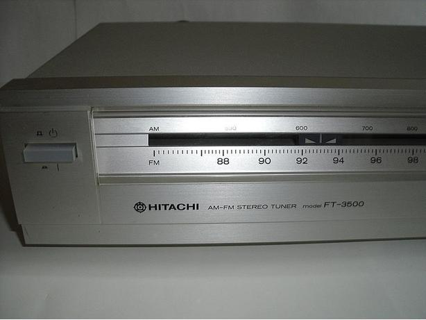 Hitachi vintage analog FM/AM stereo tuner FT-3500