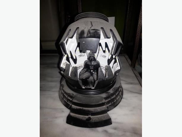 star wars Darth Vader in meditation chamber Applause statue